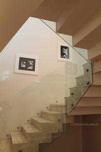 Лестница из мрамора в квартире