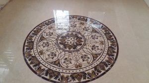 Мраморная мозайка на полу