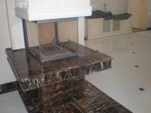 Современный мраморный камин